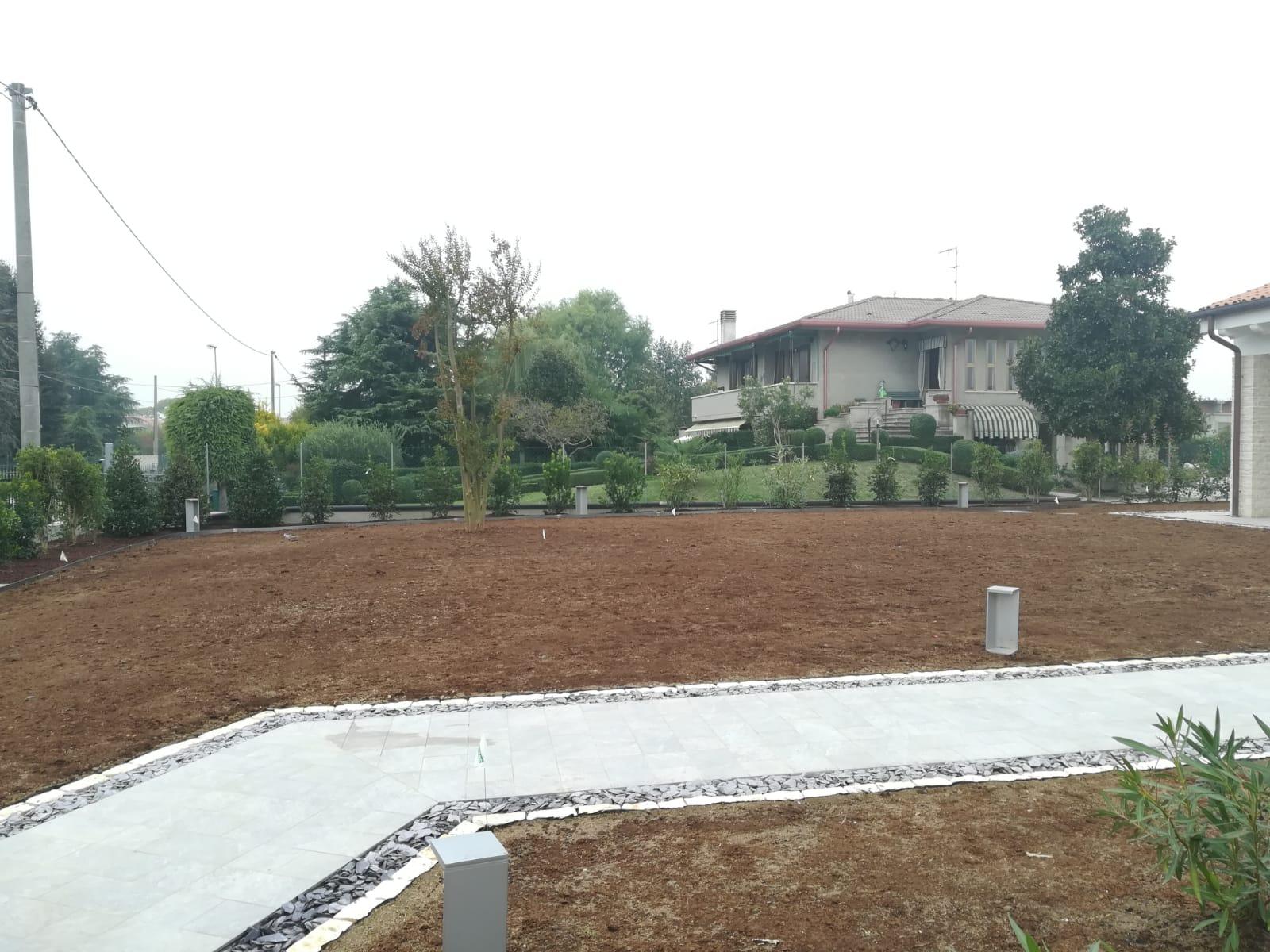 giardino destro villetta Vivai Pistore